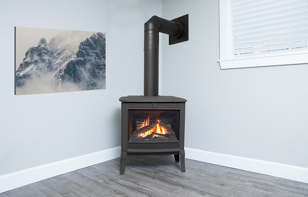 Square Front In Black With Logs M